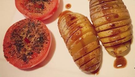 Hasselback aardappelen en tomaat uit de oven recept
