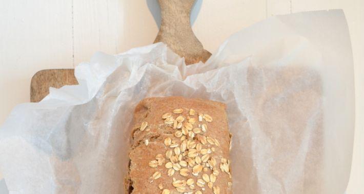 Speltbrood met noten en rozijnen