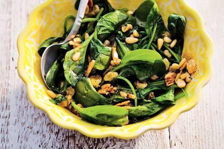 Spinazie, knoflook en rozijnen
