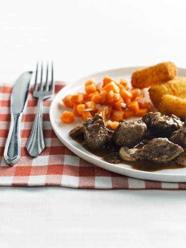 Recept 'stoofvlees met leffe-chocoladesaus en peekes'