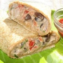 Romige burrito's met rode paprika recept