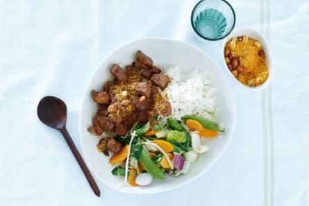Homemade saté met rijst & roerbakgroente