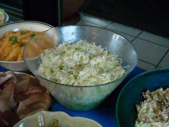 Wittekoolsalade met spekjes recept
