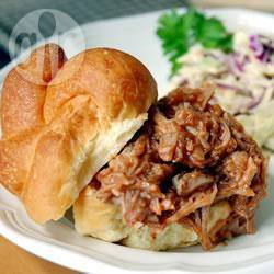 Broodjes varkensschouder (pulled pork sandwiches) recept ...