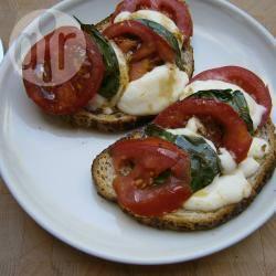 Caprese salade op italiaans brood recept