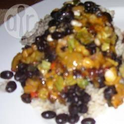 Kruidige zwarte bonen met rijst recept