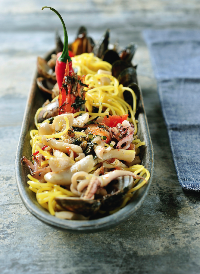 pasta met zeevruchten en groenten