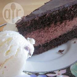 Chocoladetaart met vulling en glazuur recept