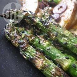 Ketjap-sesam asperges van de barbecue recept