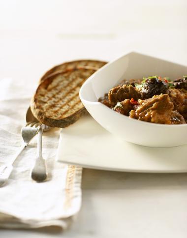 Recept 'kippenragout met gedroogde pruimen'