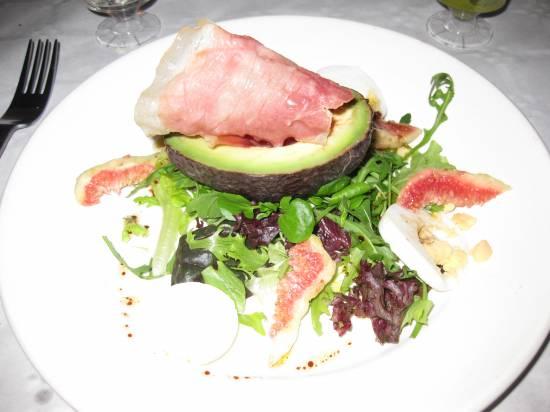 Salade met avocado, vijg & gegrilde parmaham recept