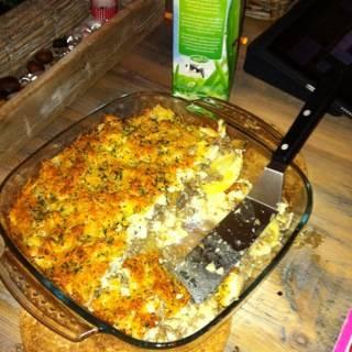 Bloemkoolschotel met aardappelen en gehakt, gegratineerd recept ...
