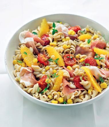 Recept 'koude pastasalade met perziken'