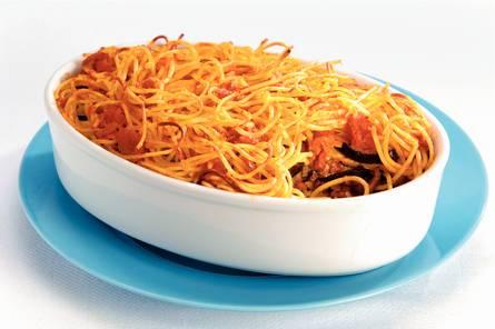 Spaghetti-laagjesschotel met mascarpone