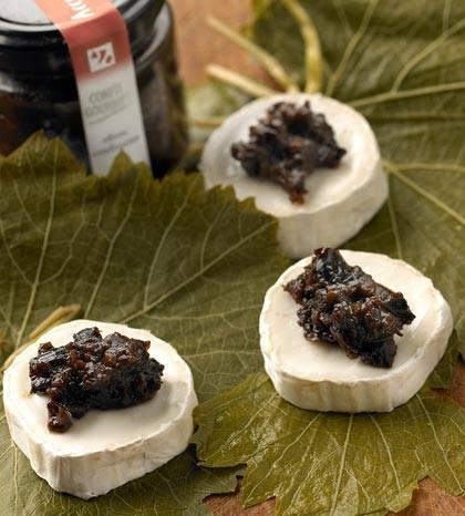 Amuse van geitenkaas met olives confiturées recept
