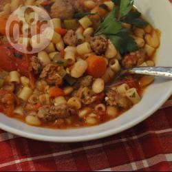 Minestrone soep met italiaanse worst recept