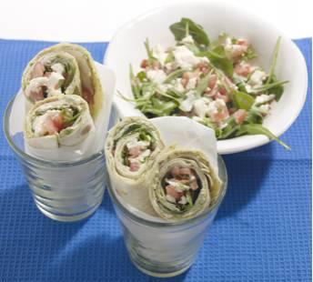 Italiaanse saladewraps met kipfilet en mozzarella recept