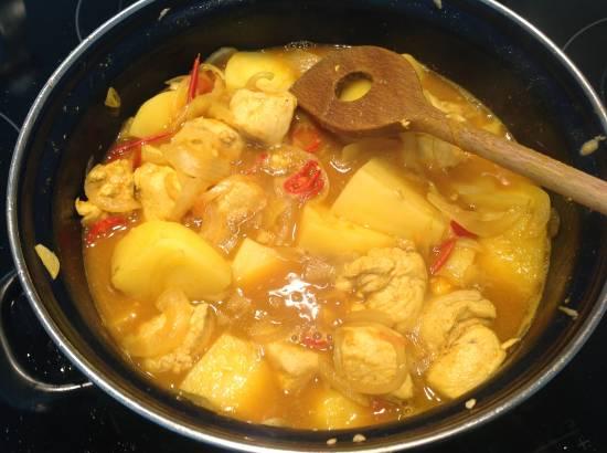 Surinaamse kip met aardappelen recept