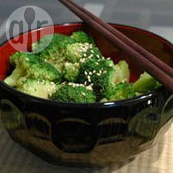 Broccoli salade met een sesamdressing recept