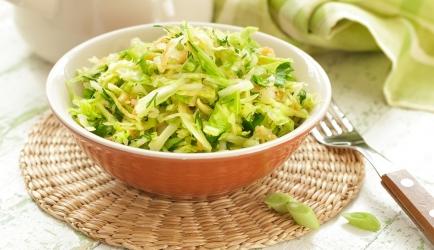 Frisse griekse witte kool salade, smullen! recept