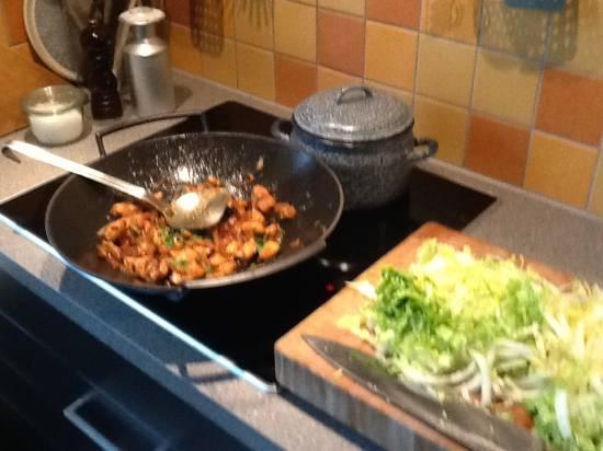 Pittige rijst met kip en witte kool recept