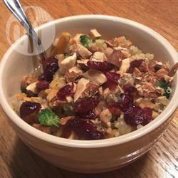 Quinoa met zoete aardappelen en broccoli recept