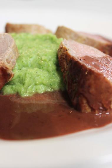 Recept 'varkenshaasje met mousse van broccoli'