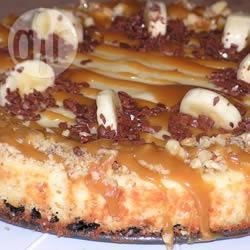 Bananen cheesecake met karamelsaus recept