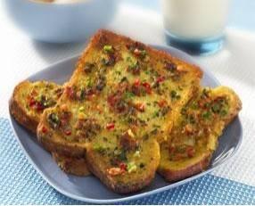 Hartige wentelteefjes met kaas en salade! recept