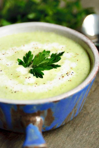 Recept 'koude komkommersoep met peterselie'
