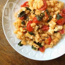 Pasta met ricotta en tomaat recept
