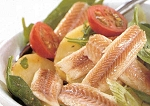 Gerookte paling op lauwwarme aardappel-spinaziesalade recept ...