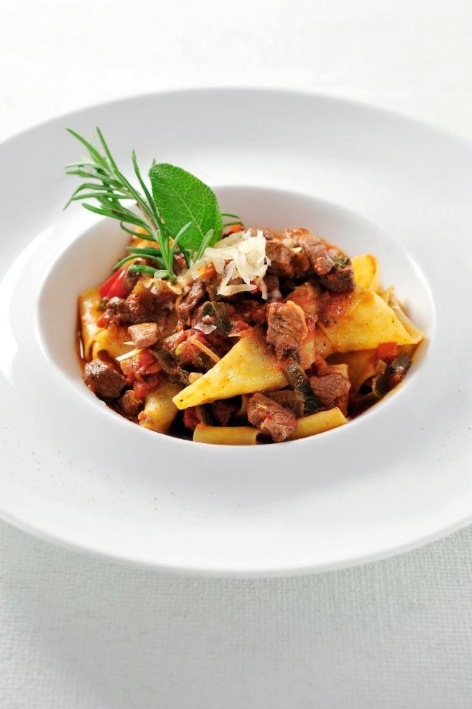 Recept 'pappardelle met everzwijnragù'