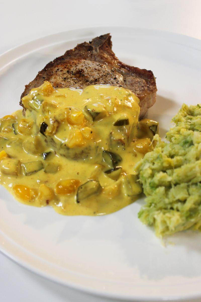 Recept 'varkenskotelet met spruitjesstoemp en picklessaus'