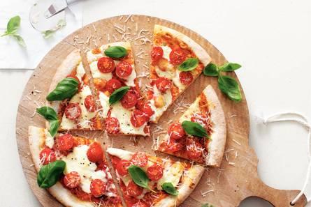 Pizza tomaat en mascarpone