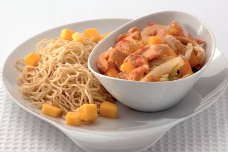 Mieschotel met kip en mango