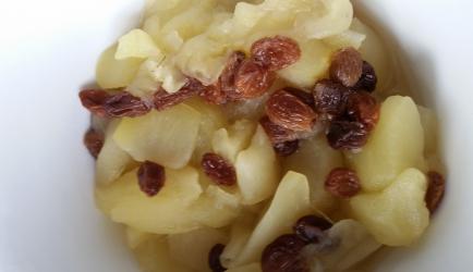 Appelcompote met rozijntjes en vanillesuiker recept
