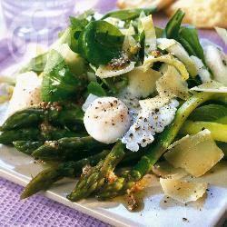 Kwarteleitjes met asperges en parmezaanse kaas recept