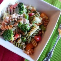 Pastasalade met tonijn en broccoli recept