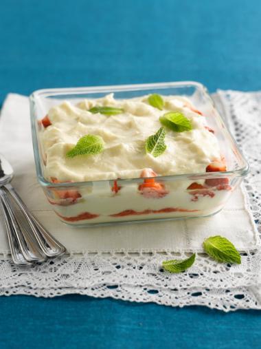 Recept 'zomerse tiramisu met aardbeien'