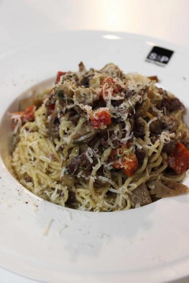 Recept 'spaghetti met gehakt, courgette en aubergine'