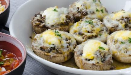 Gevulde champignon met honing-geitenkaas en walnoot recept ...