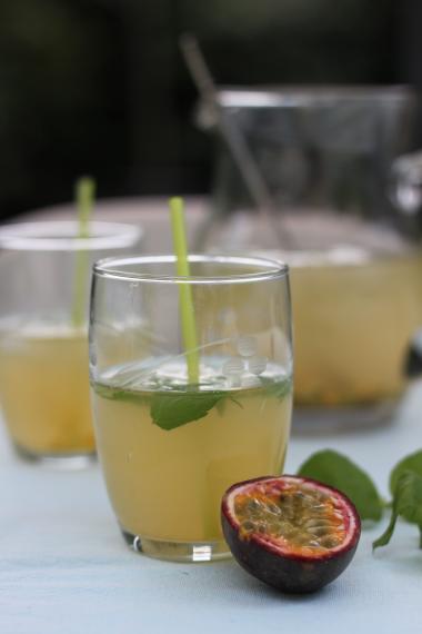 Recept 'limonade van vlierbloesem met passievrucht'