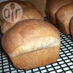 Bruin honingbrood met boter recept