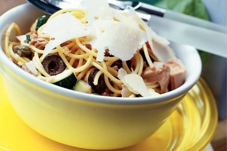 Spaghetti met drie soorten vis