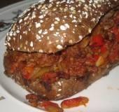 Gevuld stokbrood met oosters gehakt recept