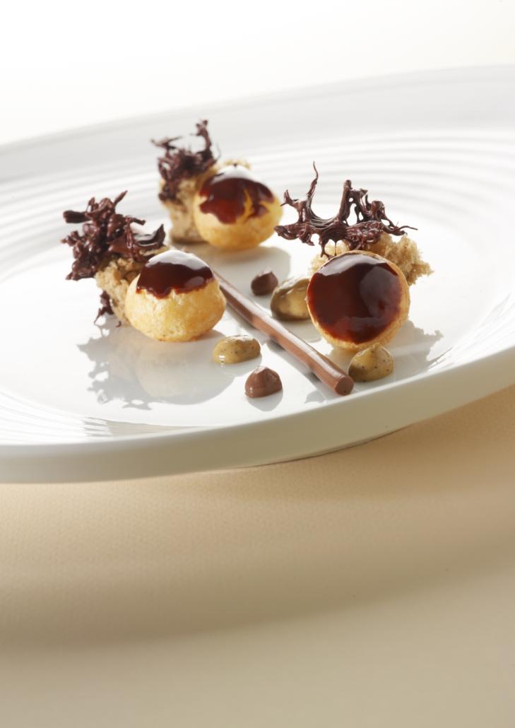 Recept 'chocoladesoesjes met koffiesponscake'