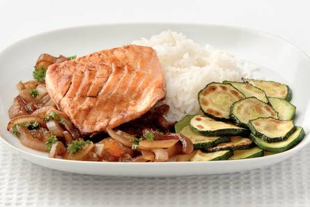 Zalm in balsamicojus met courgette