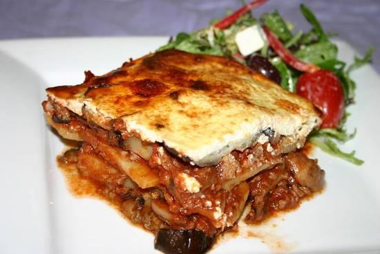 Echte griekse moussaka (aubergineschotel) recept