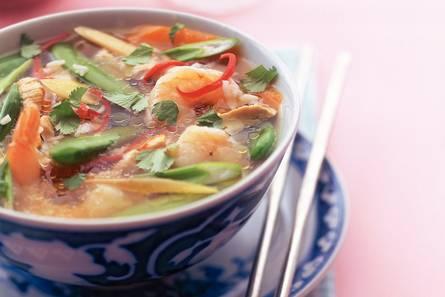 Thaise kippensoep met garnalen